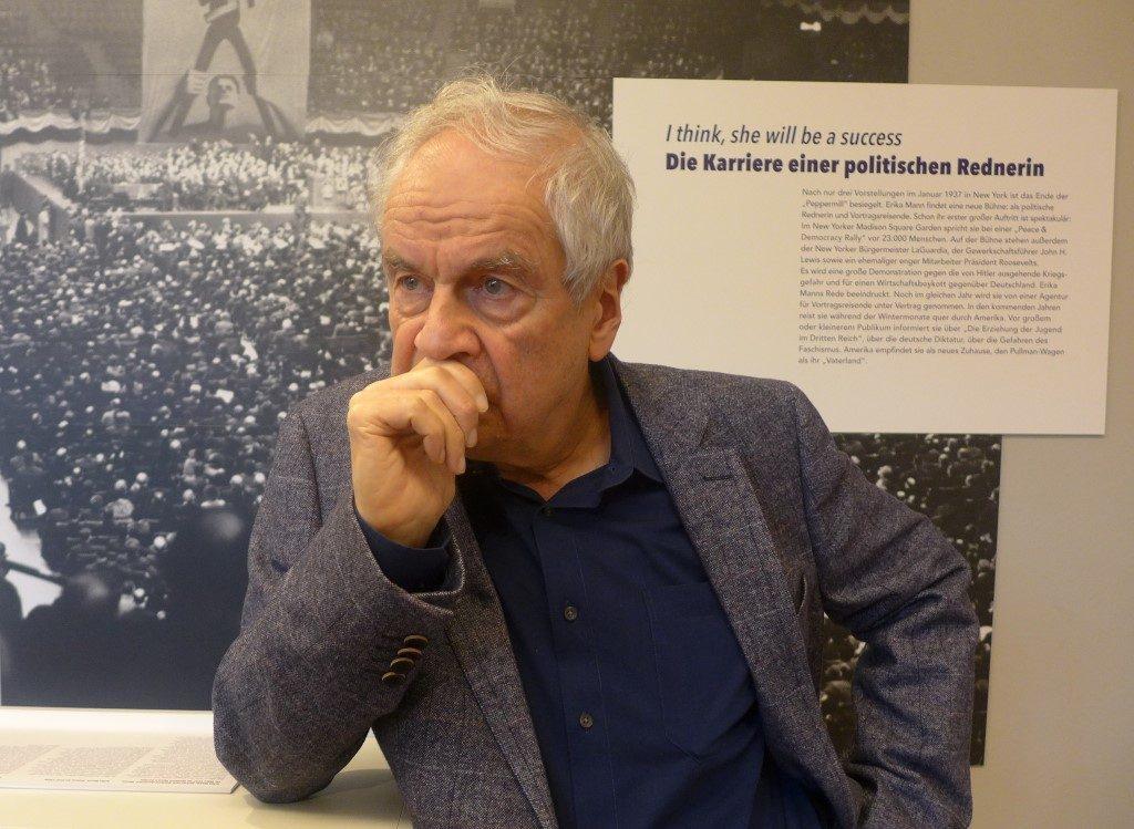Frido Mann in der Tradition des Lecturers. Porträt, Erika Mann-Ausstellung, Monacensia