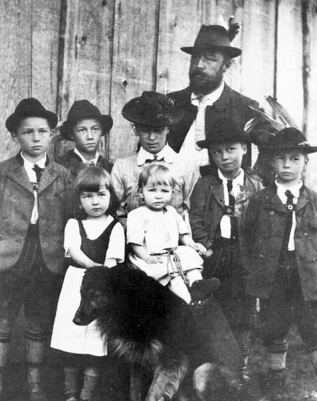 Ellen Ammann, Familienfoto, Hindelang. #femaleheritage. Foto: Archiv des Katholischen Deutschen Frauenbundes – Landesverband Bayern