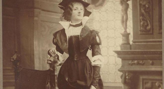 Detail: Elsa Porges-Bernstein als Adelheid in Goethes Götz von Berlichingen. Foto mit freundlicher Genehmigung von Frau Barbara Siegmann-Schroth. #femaleheritage