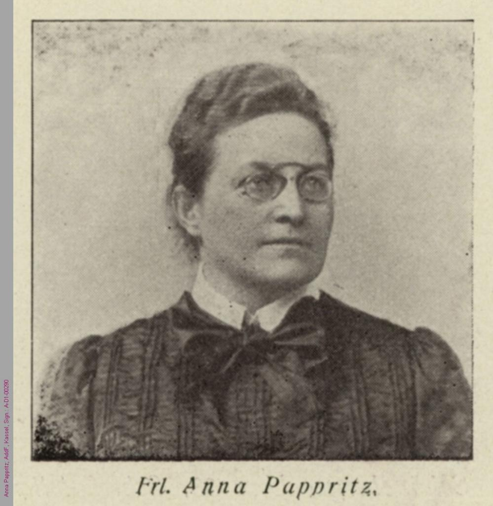 Anna Pappritz auf dem internationalen Frauenkongress 1904 in Berlin. (AddF, Kassel, Sign. D1-00290 / Atelier Loescher & Petsch, Berlin, Public Domain / Gemeinfrei.) #femaleheritage