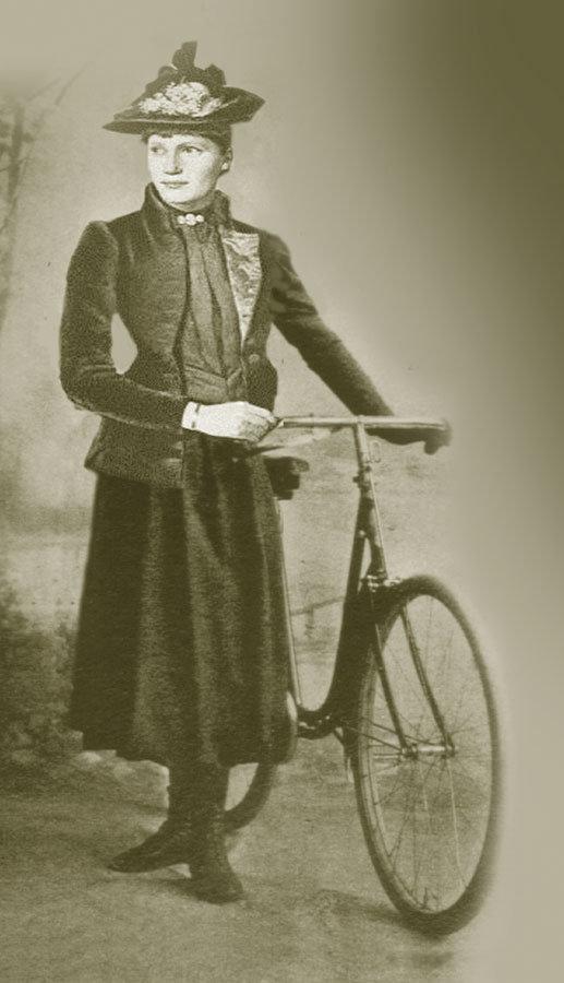 Dr. Anny Schaefer: Volksdichterin und erste Radfahrerin Münchens #femaleheritage