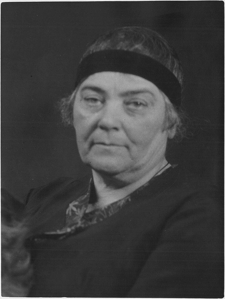 Portrait von Emily Carr, um 1930, Fotograf unbekannt © Archives of Ontario #femaleheritage