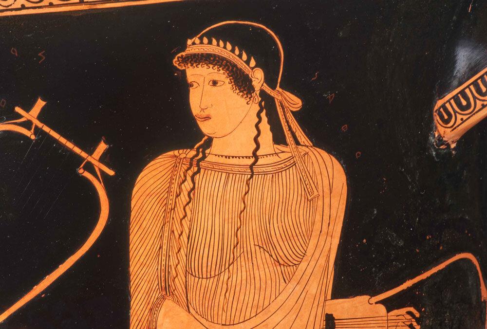 Sappho – berühmteste Dichterin des antiken Griechenlands. Hier abgebildet und mit Namensinschrift versehen auf einem griechischen Keramikgefäß. ©Staatliche Antikensammlungen und Glyptothek München, fotografiert von Renate Kühling | #femaleheritage
