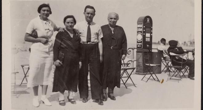Toni, Ida und Hermann Kesten in Ostende, Sommer 1935